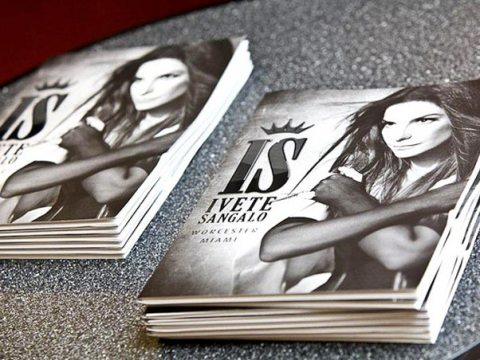 O folder sobre a turnê da cantora